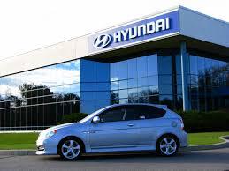 Автозавод Hyundai – чоловіки, жінки, пари